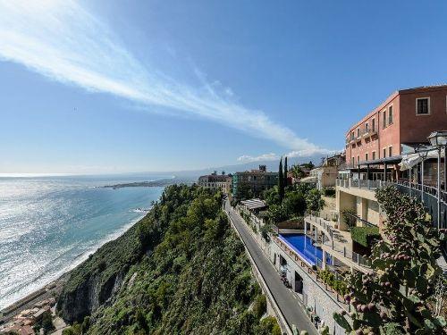 Taormina centro appartamento in vendita - monovano piazza duomo